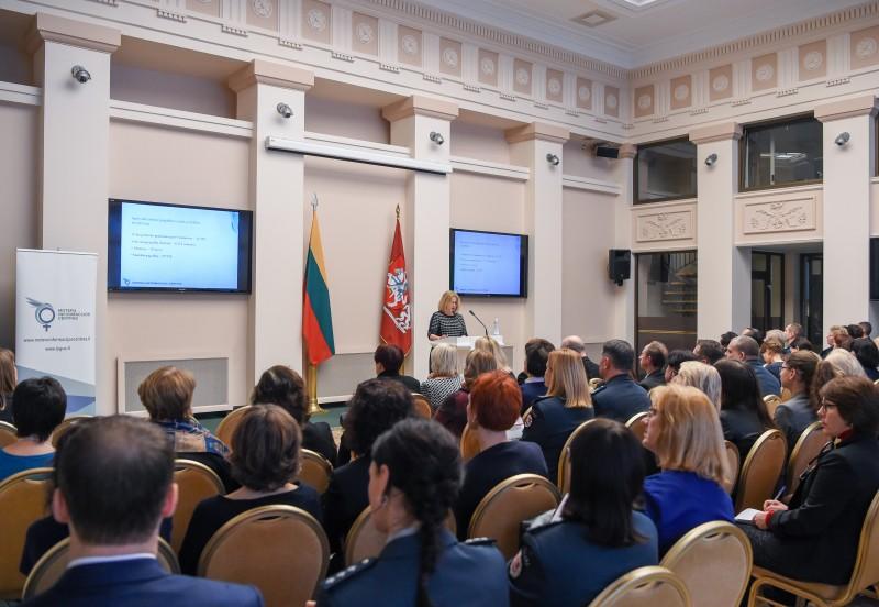 Kovai su smurtu vienijasi specialistai iš visos Lietuvos