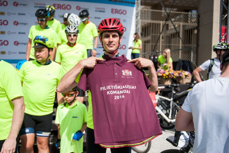 Prezidentės prizas – pilietiškiausiai dviratininkų komandai