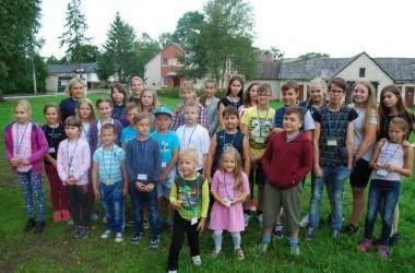 Padovanok vaikams stovyklą