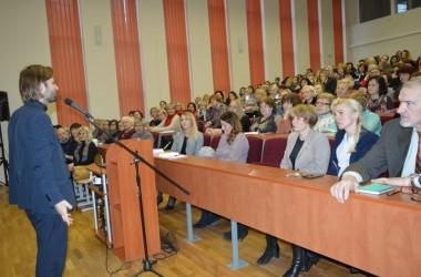 Susitikimas – diskusija su kunigu Algirdu Toliatu
