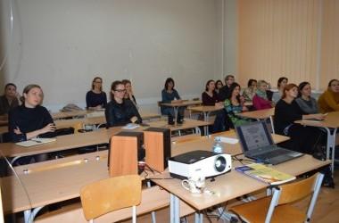 Aktyvių tėvų akademijos nariai gilino žinias apie socialinį ir emocinį vaikų ugdymą