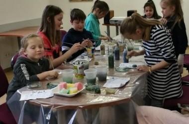 VDA Kauno fakulteto ir Vaikų dienos centrų  mokinių pavasariniai dailės užsiėmimai