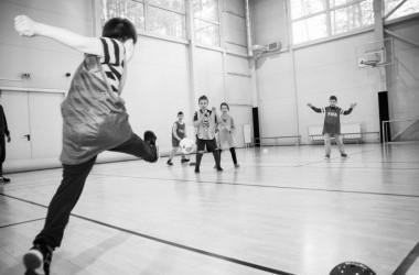 Futbolo mokykla atskirtį patiriantiems vaikams ir jaunimui, Socialinis darbas su jaunimu gatvėje